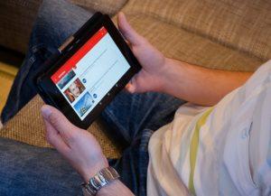 Online news and social media strategies